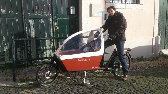 Transportar Crianças - Bakfiets Cargo Bike