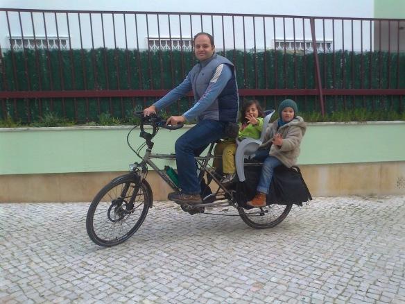 Transportar Crianças - cargo bike xtracycle